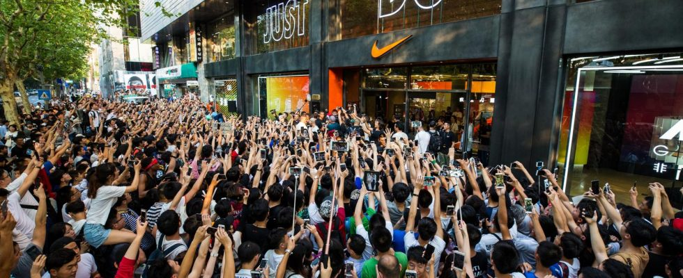 Nike Store Crowd