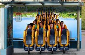 Europa Park parc attraction manège sensation abribus street marketing marques tendances