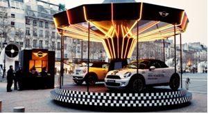 Mini Roadster carrousel paris street marketing marques tendances