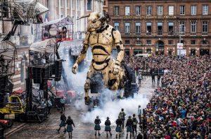 Le Minotaure Surplombe Toulouse et ses milliers de visiteurs