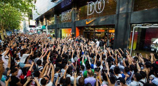 Nike Store Crowd