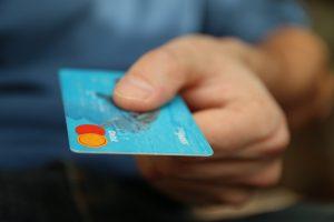 contexte économique, crise, argent, pouvoir d'achat, carte de crédit