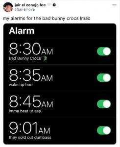 Tweet Bad Bunny x Crocs